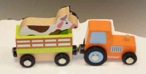 Holz Traktor mit Anhänger und Kuh von Janod